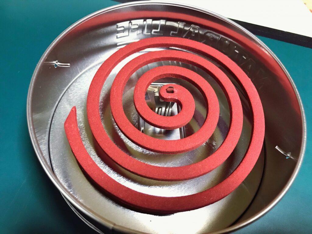 セリアで見つけたオシャレな蚊取り線香缶